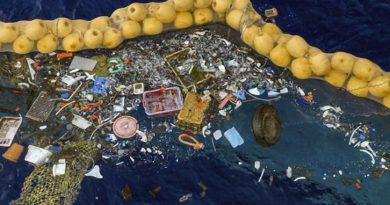 Thiết bị làm sạch đại dương lần đầu tiên thu gom được nhựa